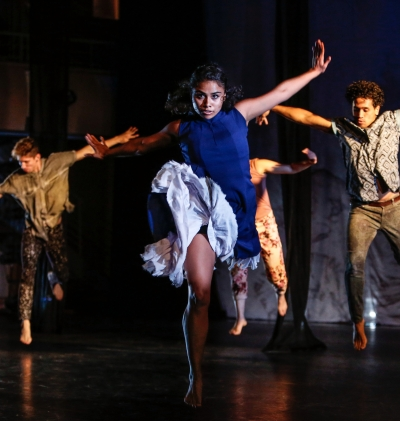 Contra Tiempo dancers