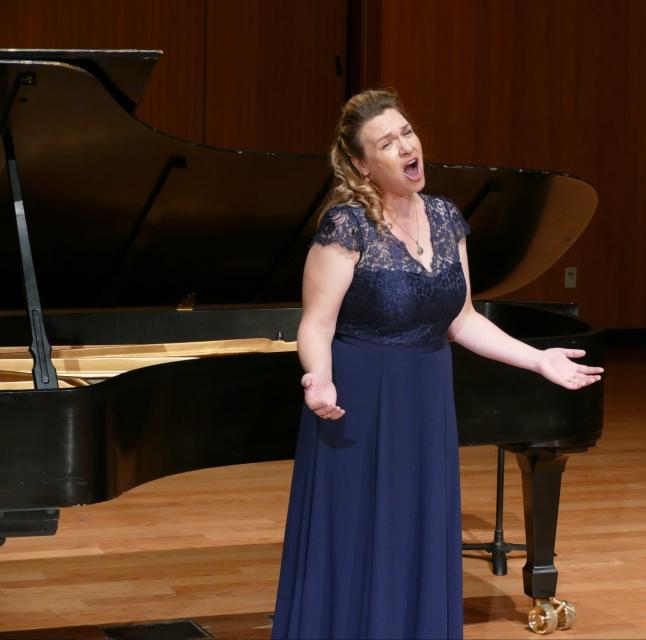 Soprano Maria Briggs