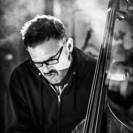 Richard Giddens playing bass