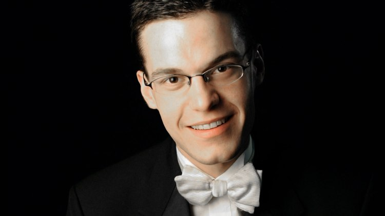 Concert organist Nathan Laube