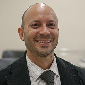 Dr. William Arcé