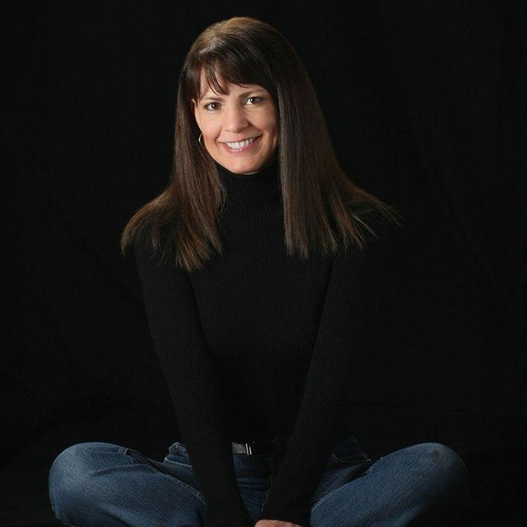 Julie Lindahl Logan