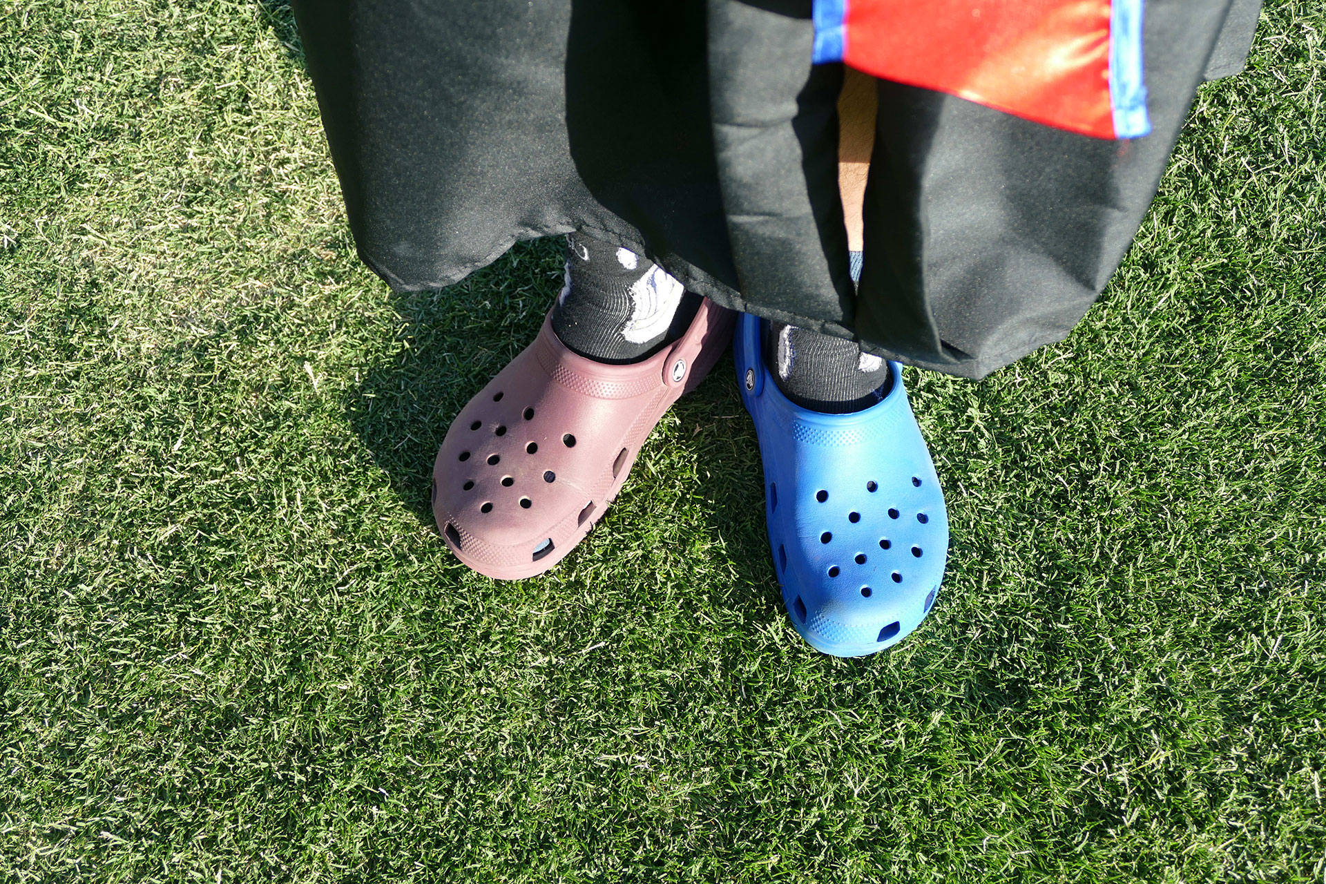 Student with mismatched Crocks.