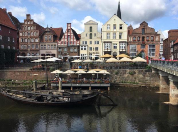Alter Kran an der Ilmenau in Lüneburg, Germany